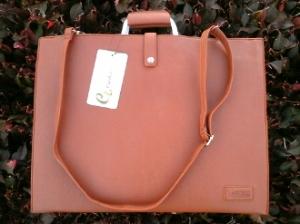 Large Handbag / shoulder bag